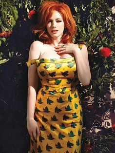 (W)oman ©rush (W)ednesday - Christina Hendricks - Why? Red is my favorite color and my favorite redhead is Christina Hendricks. Christina Hendricks, Beautiful Redhead, Beautiful People, Most Beautiful, Beautiful Christina, Beautiful Red Hair, Dead Gorgeous, Beautiful Curves, Sexy Curves