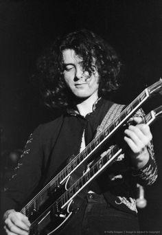 Jimmy Page on his Gibson Double Neck.