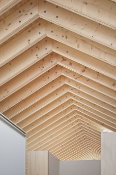 Image 9 of 15 from gallery of M House / Facet Studio. Courtesy of Facet Studio Timber Ceiling, Timber Roof, Timber House, Framing Construction, Wood Construction, Timber Architecture, Architecture Details, Gable House, Timber Structure