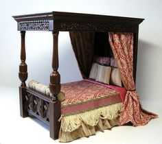 Dollhouse Tudor Bed by JBM Miniatures Australia Anybody can generate a house sweet property, even when the spending budget is tight. Haunted Dollhouse, Victorian Dollhouse, Dollhouse Dolls, Dollhouse Miniatures, Modern Dollhouse, Miniature Dollhouse Furniture, Miniature Rooms, Miniature Houses, Estilo Tudor