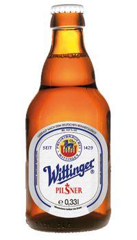 Wittinger Pilsner - Hopfen und Malz Gott erhalt´s  Wittinger Pilsner in der klassischen Steinie-Flasche ist die älteste und mit die beliebteste Marke des Hauses.  Unser Pilsner wird mit Hallertauer Hopfen und Malz aus regionaler Gerste gebraut und nicht so stark gehopft wie das Wittinger Premium. Es zeichnet es sich durch eine weiche Bitternote aus, die herrlich nachklingt im Gaumen. Es hat 11,4% Stammwürze und 4,9% vol.alc.