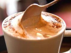 59 Ideas chocolate quente cremoso como fazer for 2019 Coffee Milkshake, Coffee Drinks, Milk Shakes, Chocolate Cafe, Smoothie Recipes, Smoothies, Recipe 21, Tasty, Yummy Food