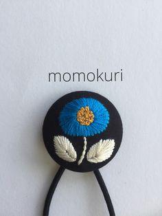 刺繍・くるみボタンのヘアゴム
