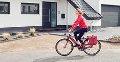 """Gesünder werden, glücklicher sein und tolle Preise gewinnen – genau das könnt ihr mit der Aktion der AOK und des Allgemeinen Deutschen Fahrrad-Clubs erreichen. """"Mit dem Rad zur Arbeit"""" nennt sich die Mitmachaktion für mehr Fitness im Alltag. Wer sich registriert und im Aktionszeitraum vom 1. Mai bis zum 31. August an mindestens 20 Tagen mit dem Rad zur Arbeit fährt, sichert sich eine Chance auf spannende Gewinne und tut ganz nebenbei etwas für seine Gesundheit und unsere Umwelt! 1 Mai, Bicycle, Fitness, Win Prizes, Action, Amazing, Bike, Bicycle Kick, Bicycles"""
