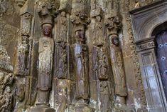 Detalle de la portada de la iglesia de San Esteban, patrón de Sos del Rey Católico