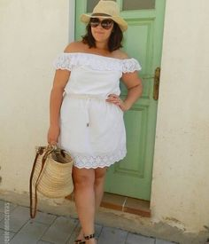 Women like Tara Lynn or Ashley Graham have revolutionized the fashion world with such a powerful hand, that the plus size fashion industry has come to a forefront. Curvy Fashion Summer, Fat Fashion, Curvy Women Fashion, Plus Size Fashion, Plus Size Summer Outfit, Cool Summer Outfits, Plus Size Outfits, Beach Outfits, Curvy Girl Outfits