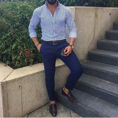 Men with class Business Professional Attire, Business Casual Outfits, Navy Blue Pants, Men Style Tips, Dressed To Kill, My Guy, Smart Casual, Everyday Outfits, My Wardrobe