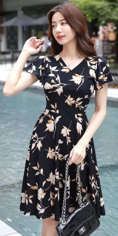Maple Floral Print Shirred Wrap Dress, 10 flowery summer dresses that won't make you look chubby. Wrap Dress Outfit, Floral Dress Outfits, Black Dress Outfits, Chic Outfits, Dress Black, Modest Fashion, Fashion Dresses, Feminine Fashion, Fashion Styles