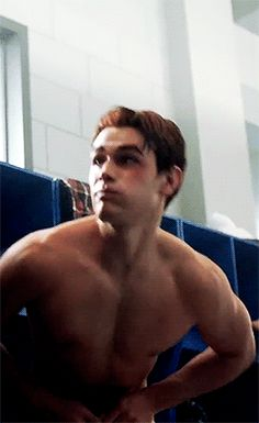KJ Apa Shirtless as Archie on Riverdale Kj Apa Riverdale, Riverdale Aesthetic, Millie Bobby Brown, James Fitzgerald, Shay Mitchell, The Cw, Hot Boys, Pretty Boys, Cute Guys