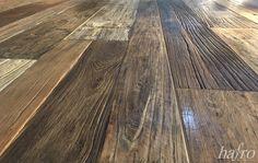 ORIGINAL 1. PATINA  LÄNGE: 1650 mm BREITE: 120 – 220 mm STÄRKE: 20 mm SYSTEM: Nut und Feder mit Fase AUFBAU: 3-Schicht Diele #hafroedleholzböden #parkett #böden #gutsboden #landhausdiele #bödenindividuellwiesie #vinyl #teakwall #treppen #holz #nachhaltigkeit #inspiration Hardwood Floors, Flooring, Vinyl, Texture, Inspiration, The Originals, Life Hacks, Stairways, Old Wood