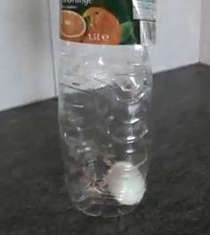 Hoe krijg je een ei heel in de fles?