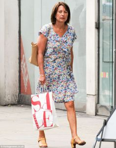 Share, rate and discuss pictures of Carole Middleton's feet on wikiFeet - the most comprehensive celebrity feet database to ever have existed. Kate Middleton Parents, Carole Middleton, Middleton Family, Pippa And James, Celebrity Feet, Duchess Of Cambridge, Daughter, Short Sleeve Dresses, My Style