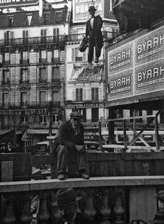 André Kertész - Saint-Lazare, Paris [1933]