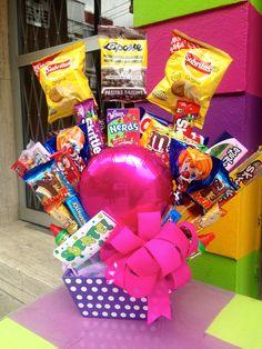 Best Ideas Birthday Cupcakes For Boyfriend Love Valentines Day Valentines Day Baskets, Valentine Gifts For Husband, Love Valentines, Birthday Table, Birthday Cupcakes, Birthday Gifts, Happy Birthday, Gift Card Bouquet, Candy Bouquet