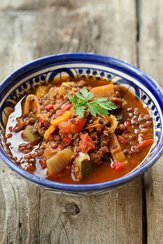 veggie tajine by photo-copy Tajin Recipes, Veggie Recipes, Vegetarian Recipes, Healthy Recipes, Food Out, Good Food, Moroccan Kitchen, Dutch Recipes, Middle Eastern Recipes