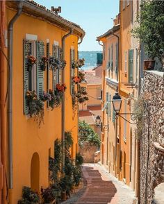 Cinque Terre, Beautiful World, Beautiful Places, Places To Travel, Places To Visit, Belle Villa, Northern Italy, Europe Destinations, Travel Aesthetic