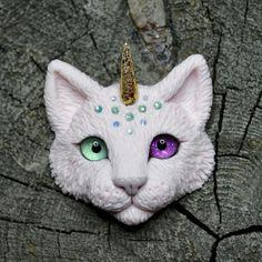 #полимерная_глина #полимернаяглина #ручнаяработа #своимируками #котик #кошка #котейка #белыйкот #кошкаброшка #polymer_clay #polymerclay #cat #kitten #kitty #softkitty #warmkitty #handmade #единорог #рожки #рога #олень #unicorn