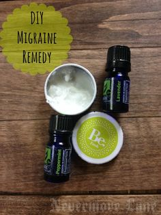 Natural Remedies For Headache DIY Homemade Migraine Remedy. A safe, simple remedy to help manage the toughest migraines. Migraine Remedy, Natural Headache Remedies, Migraine Relief, Natural Home Remedies, Herbal Remedies, Migraine Oils, Holistic Remedies, Health Remedies, Pain Relief