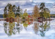 Sweden  |   湖に映る景色(スウェーデン)