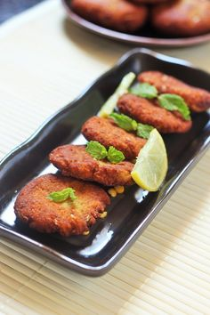 Shami kabab is a great dish that can be served as an appetizer. How to make shami kabab recipe. Instructions for shami kabab recipe. Recipe for Shami Kabab Wine Recipes, Indian Food Recipes, Asian Recipes, Beef Recipes, Chicken Recipes, Cooking Recipes, Indian Snacks, Recipies, Indian Appetizers