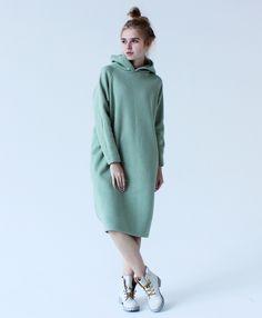 Спортивное зимнее платье maybe ... цвета мяты