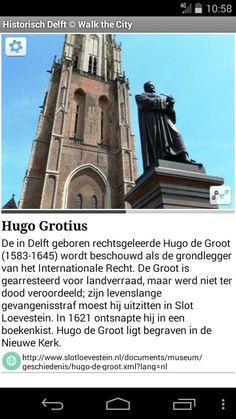 Standbeeld van Hugo de Groot.