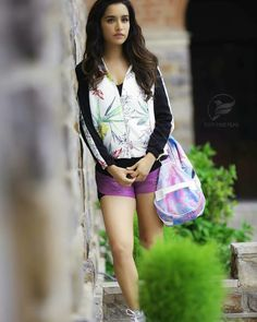bae i love u all the best 💋 Bollywood Girls, Bollywood Actors, Bollywood Celebrities, Beautiful Girl In India, Beautiful Indian Actress, Shraddha Kapoor Half Girlfriend, Cute Preppy Outfits, Chic Outfits, Sraddha Kapoor