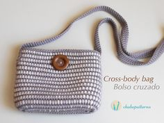 Crossbody bag - free crochet pattern in English and Spanish plus video tutorial from Chabepatterns.