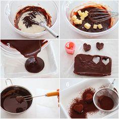 ひさびさに#6コマレシピ !! ハートのトリュフの作り方です 上手に作るポイントはコーティングするチョコレートは専用のものを使うこと詳しくはブログに書いていますので作る方はご参考にどうぞ 材料直径2.5cm 15個分 チョコレートg 生クリームg バターg コーティング用チョコレート上掛けチョコg ココアg 作り方 1)チョコレートを湯煎にかけて溶かし人肌に温めた生クリームを加え泡立て器で優しく混ぜる 2)バターを加え優しく混ぜる 3)ラップを敷いたバットタッパーなどに流し冷蔵庫で時間以上冷やし固める 4)ハートのクッキー型で型抜きする 5)コーティング用のチョコレートを湯煎にかけて溶かしフォークに乗せて漬ける オーブンシートの上などで乾かす 6)ココアをまぶしたら完成 Material (2.5 cm in diameter: 15) chocolate 100 g Fresh cream 60 g Butter 30 g Chocolate for coating (overcoat chocolate) 100 g Cocoa 10g How