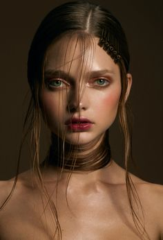 Golden beauty: Metallic gold eye makeup + Ombre pomegranate to rose nude lips. Katiusha for OOB Magazine #5.