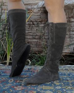 Cute handmade boots from Etsy. Would like these in a different fabric- maybe wool or flannel?