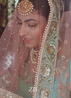 Pinterest: @pawank90 Sikh Bride, Punjabi Bride, Punjabi Wedding, Desi Wedding, Wedding Bride, Indian Bridal Makeup, Indian Bridal Fashion, Indian Bridal Wear, Pakistani Wedding Outfits