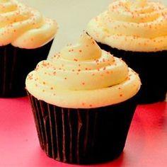 recetas de cupcakes: Cupcake de vainilla Shark Cupcakes, Brownie Cupcakes, Cupcake Cookies, Coke Cake, Drip Cakes, Cake Shop, Cookies And Cream, Sweet Cakes, Delicious Desserts