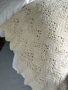 Gorgeous vintage ivory crocheted blanket by OliverandRust on Etsy
