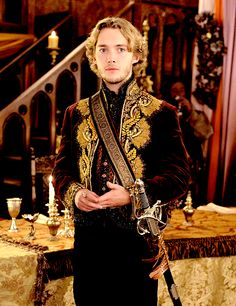 """Toby Regbo as Francis in 2.04 """"The Lamb and the Slaughter"""""""