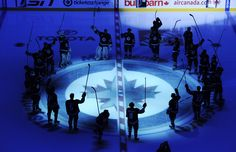 Winnipeg jets @ Hockey game in Winnipeg Manitoba Jets Hockey, Ice Hockey Teams, Hockey Games, Hockey Players, La Kings Hockey, O Canada, Local Photographers, Sports Mom, Nfl Fans