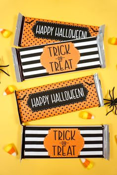 Free printable Halloween Candy Bar Wrappers to create cute Halloween treats for trick or treat! Use our candy wrappers to make sweet gifts & party favors! Halloween Candy Bar, Cute Halloween Treats, Fun Halloween Crafts, Halloween Party Favors, Halloween Printable, Halloween Games, Halloween Stuff, Halloween Ideas, Printable Thank You Cards