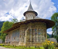 Voronet Monastery is one of the most popular cultural attractions in Bucovina, and is part of the UNESCO World Heritage Sites. Beautiful Places To Visit, Wonderful Places, Romania Travel, Unusual Buildings, Famous Castles, Medieval Town, Place Of Worship, Malaga, Historical Sites