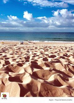 La dorada arena de la playa de Bolonia (Tarifa, Cádiz)