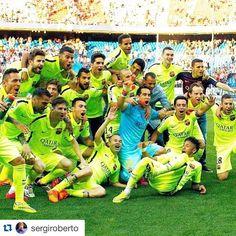 """#Repost @sergiroberto #campionsFCB ・・・ Campeoneeeeeesss !!!! """