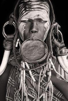 mursi girl at mago NP / Ethiopia 2012-11 (flickr 8495628140) • Mario Gerth (german photographer) portraits of African people • www.Mario-Gerth.de