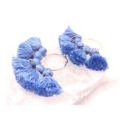 Un favorito personal de mi tienda de Etsy https://www.etsy.com/es/listing/546895460/tassel-hoop-earrings-lightblue-boho