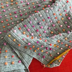 "23 synes godt om, 1 kommentarer – @lisefranck på Instagram: ""Stadigvæk perler. #hækleprojekt #perlerbeads #perlehækling #crochet #crochetwithbeads #beadscrochet…"""