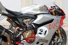 Ducati-1199-Panigale-S-Paul-Smart-by-Evotech-04.jpg 750×500 pixels