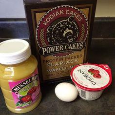 Healthy Snack Muffins | Kodiak Cakes Power Cakes | Yogurt Muffins | Muffins Made with Pancake Mix | Enjoy Your Healthy Life Kodiak Cake Muffins, Kodiak Cakes, Kodiak Power Cakes, Yogurt Muffins, Pancake Muffins, Flapjack Pancake, Protein Muffins, Kodak Pancakes, Healthy Muffins