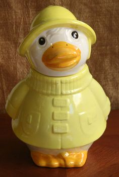 Puddles the Duck Cookie Jar made in USA by Metlox Duck Cookies, Biscuit Cookies, Cookie Containers, Cookie Jars, Vintage Dishes, Vintage Glassware, Kinds Of Cookies, Vintage Cookies, Pie Plate
