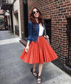 """""""Around NY ✌️Clima perfeito hoje por aqui!! Dá vontade de passar o dia passeando na rua! Kkkk #geontheroad #ootd #wannabecarrie"""""""