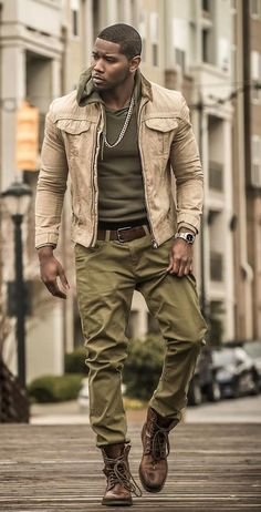 How to wear: brown leather casual boots, olive chinos, olive hoodie, beige Brown Hoodie, Olive Chinos, Fashion Business, Office Fashion, School Fashion, Business Attire, Business Casual, Look Man, Guy Fashion