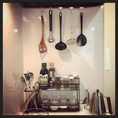 My tiny kitchen, done organize ✅ 😅 #messy 😣 ->>> #tidy up 😊 🍴🍳🍽🥘👩🏻‍🍳💡 #simple #kitchen #rental #room ->❎#diy #organize #idea #hanging #kitchentools #spicerack  #キッチン収納 #台所 #100均 #100均diy #マグネットフック #スパイスラック #必要最低限 #キッチン #調理器具 #吊るす収納 #片付け #シンプル #moving #引越し  Yummery - best recipes. Follow Us! #kitchentools #kitchen