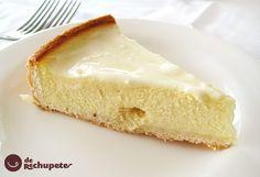 Quesada, tarta muy típica en Galicia: Tarta de requesón. Un postre muy agradable al paladar, con un suave sabor a queso que admite muchas variaciones.